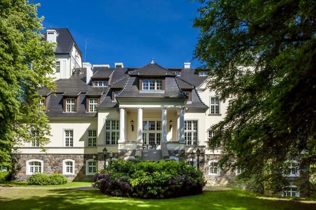 palac-ciekocinko-hotel